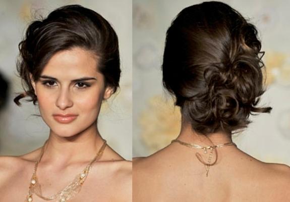585780-Penteados-para-madrinhas-de-casamento-com-cabelo-preso.3