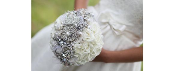 buque-de-noiva-broches-flores-blog-eccentric-beauty