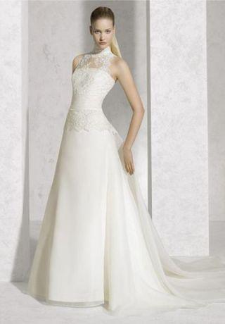 vestido-de-noiva-acinturado-com-saia reta-e-gola-alta-blog-eccentric-beauty