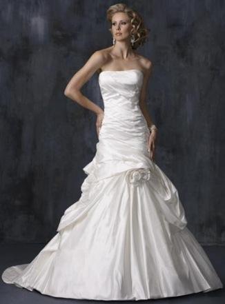 vestido-de-noiva-com-cintura-baixa-blog-eccentric-beauty