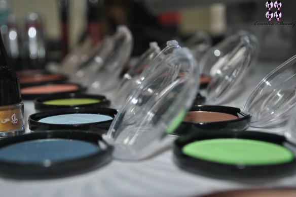 mesa-maquiagem-2-evento-vult-lojas-rede-blog-eccentric-beauty
